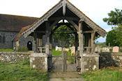 Ingang begraafplaats en St Mary's Church