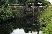 Oud sluisje in kanaal bij Naas