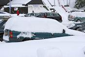 Vast in de sneeuw