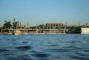 Uitzicht op Luxor Tempel