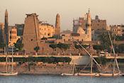 Avondlicht op Luxor Tempel