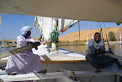 Felucca met captain Abdulah en zijn hulp