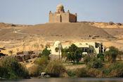 Uitzicht op het mausoleum van Aga Kahn