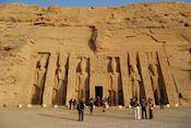 De kleinere tempel in Abu Simbel