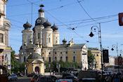 Vladimirskaya kerk, rechts ons hotel