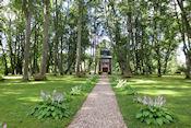 Tuinhuisje van Ungurmuiza manor house
