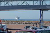 De boot naar Grislehamn, Zweden in aantocht